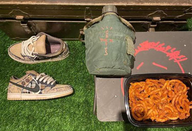 Travis Scott x Nike Dunk SB最新美图 Travis Scott合作款Nike Dunk SB赏析